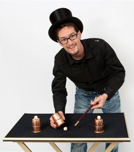 Zauberkünstler Zauberer Magic Dean aus St. Gallen