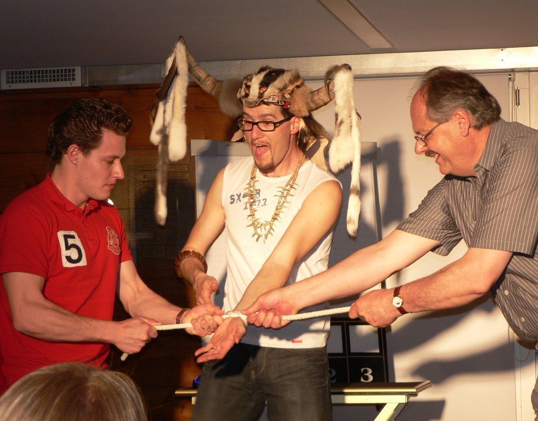 Ostschweizer Zauberkünstler Magic Dean während Entfesselung