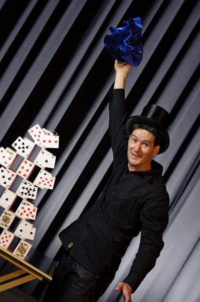 Kartenschloss von Zauberkünstler Magic Dean